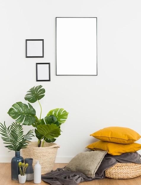 Растения с пустой рамой и подушками Бесплатные Фотографии