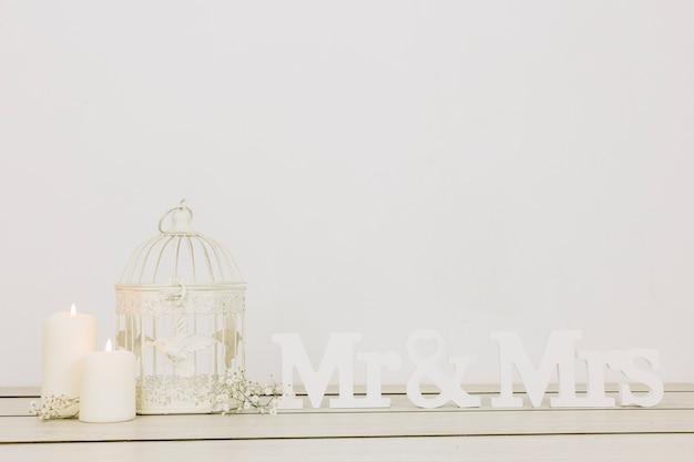 夫婦とロマンチックな装飾品 無料写真
