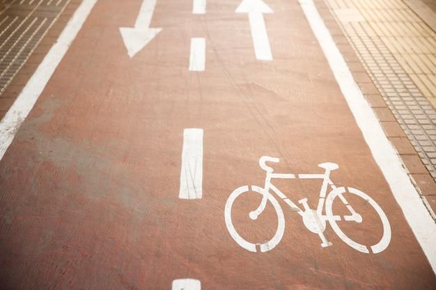 Велосипед дорожный знак на дороге Бесплатные Фотографии