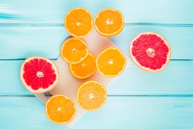 トップビューオレンジとザクロ 無料写真