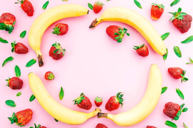 美味しい夏の果物と果実の色付きの面 無料写真