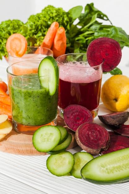 さまざまな野菜ジュース 無料写真