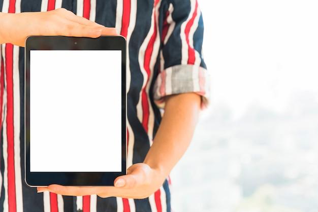 両手空白の画面を持つタブレット 無料写真