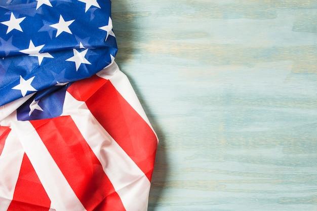 Американский флаг на деревянном текстурированном фоне Бесплатные Фотографии