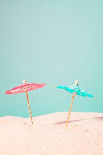 砂のカクテル傘 無料写真