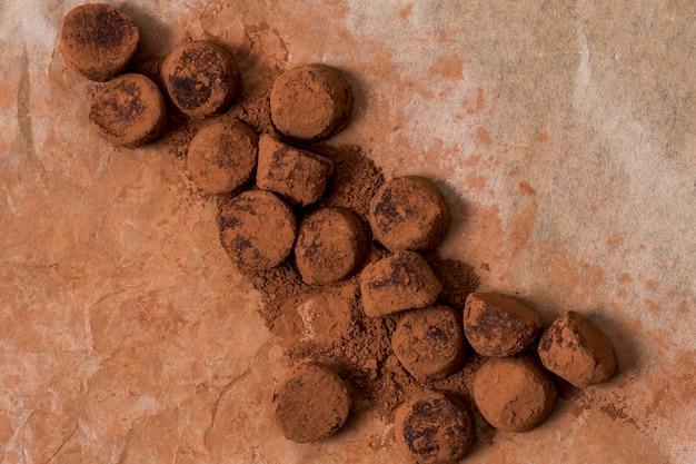 Шоколадный трюфель в какао-порошке Бесплатные Фотографии