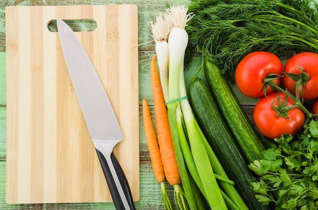 サラダに含まれる健康的な食材 無料写真