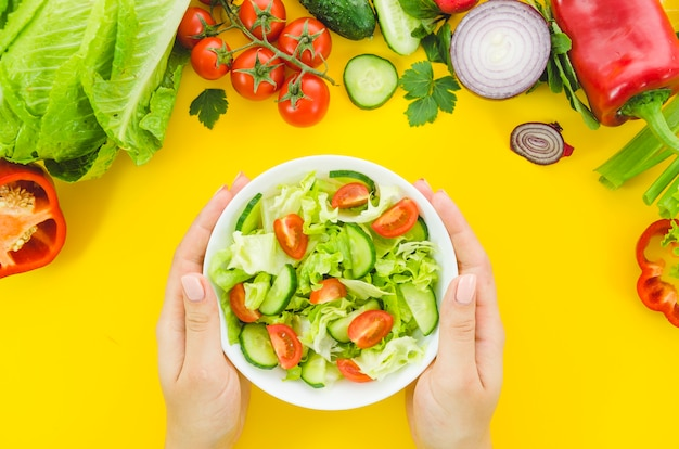 Вкусный и полезный салат из салата Бесплатные Фотографии