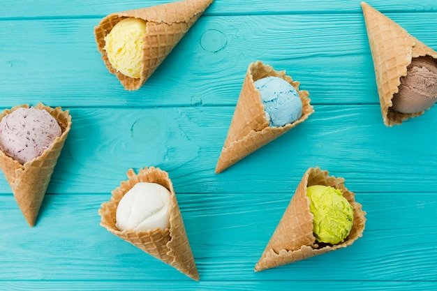 Вкусные экзотические корнеты из мороженого Бесплатные Фотографии