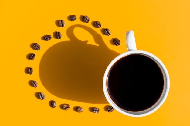 穀物とコーヒーのトップビューカップ 無料写真