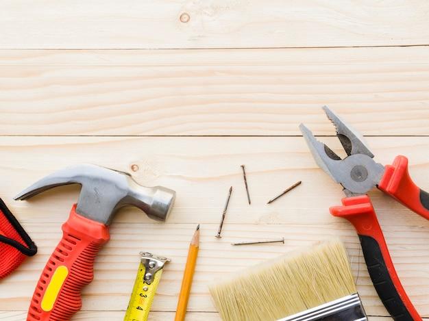 Инструменты плотника на деревянный стол Бесплатные Фотографии