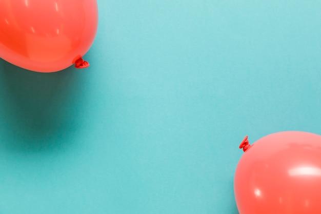 赤い膨らんだおもちゃの風船 無料写真