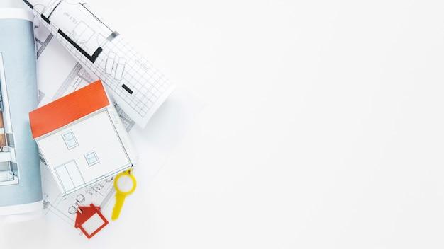 白い背景で隔離の不動産文房具 無料写真