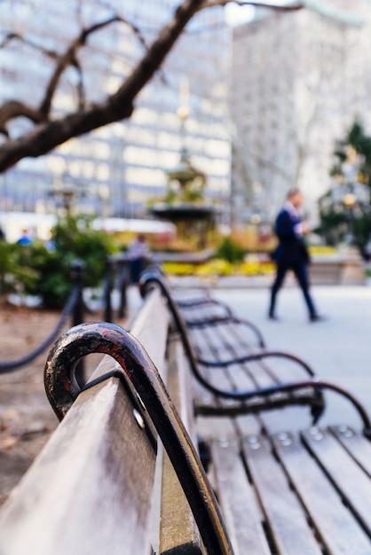 正方形の木のベンチ 無料写真