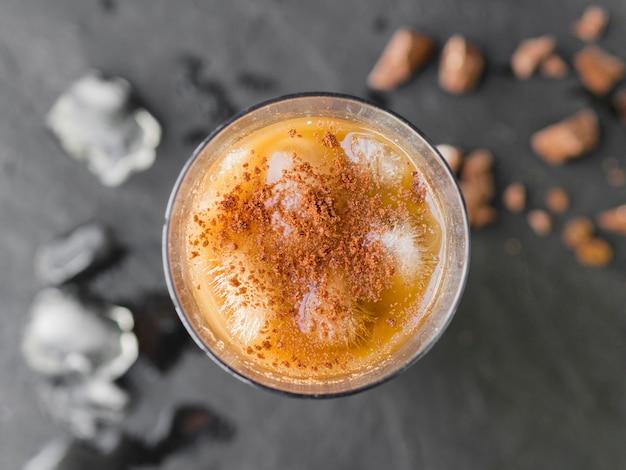 ココアパウダーでさわやかな冷たい飲み物 無料写真