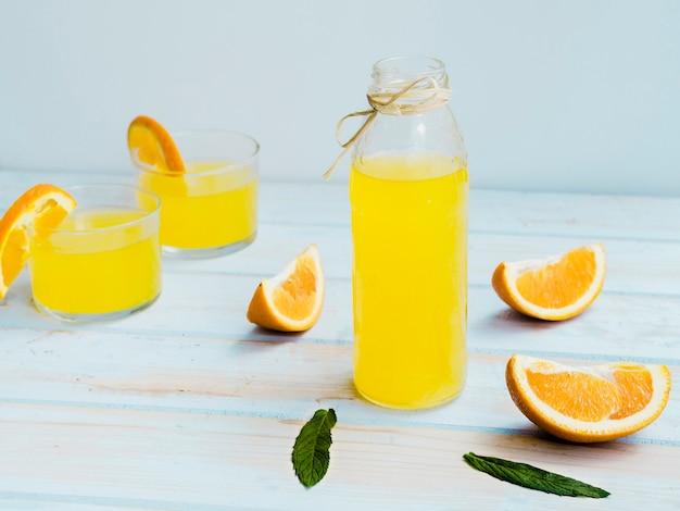 Очки апельсинового сока с фруктами и мятой Бесплатные Фотографии