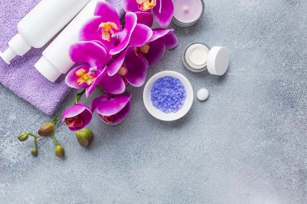 美容製品のあるスパ静物 無料写真