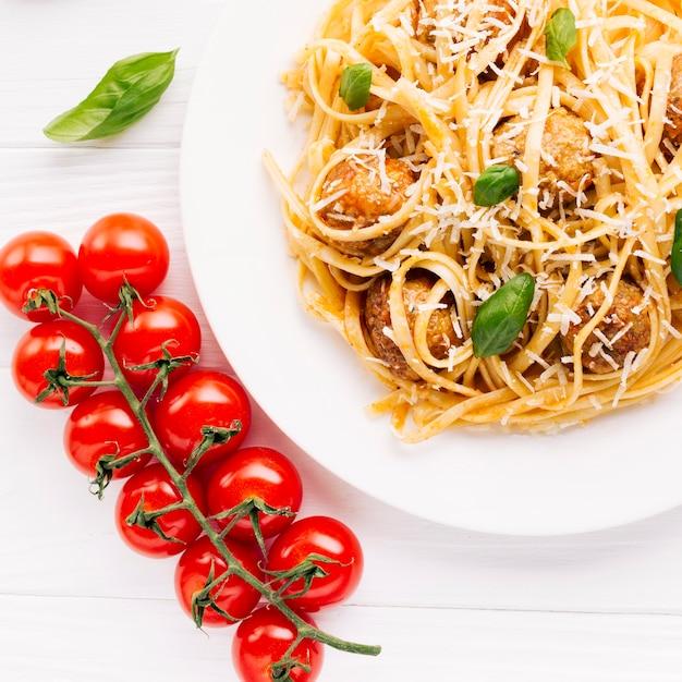 イタリア料理のフラットレイアウト組成 無料写真