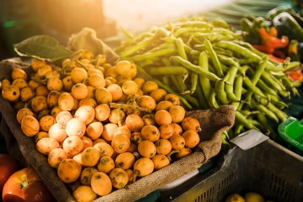 様々な有機野菜の露店 無料写真