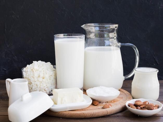牛乳、カッテージチーズ、乳製品 無料写真