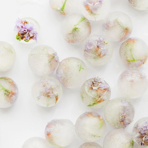 アイスボールのピンクの小花 無料写真