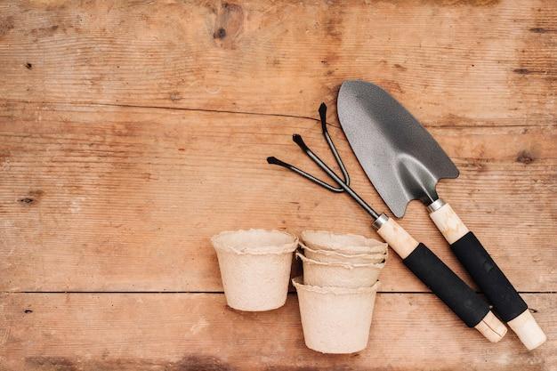 フレイレイガーデニングツールや植木鉢 無料写真