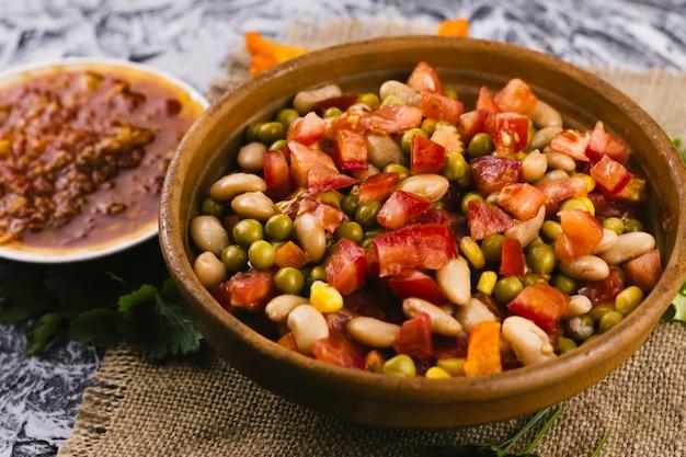 伝統的なメキシコ料理のボウル 無料写真