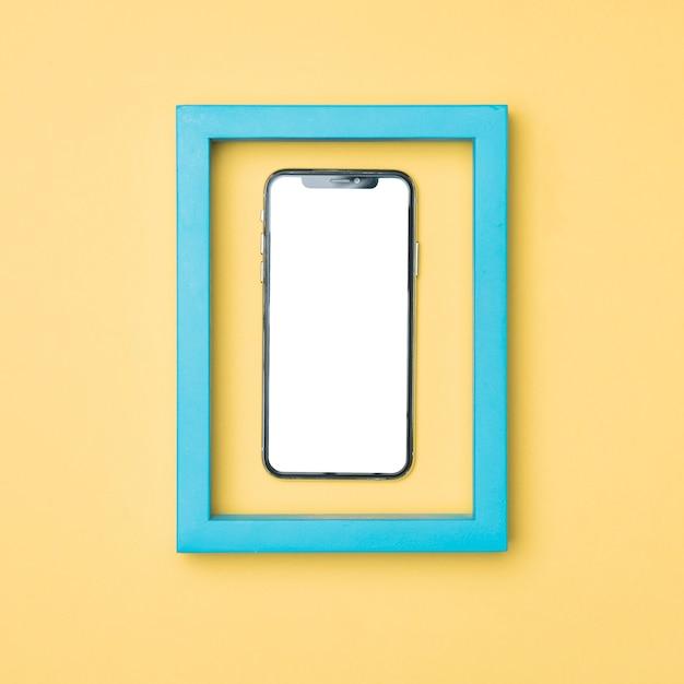トップビューフレームモックアップスマートフォン 無料写真