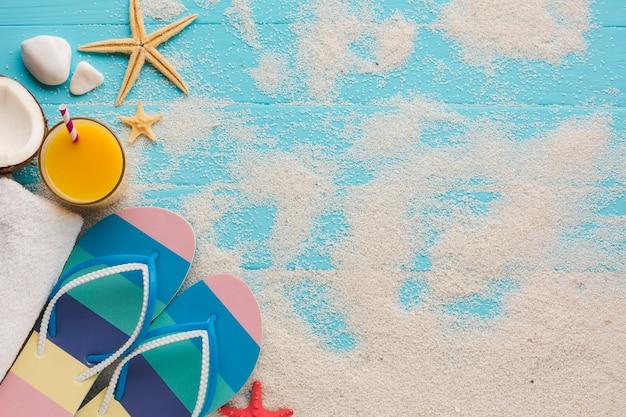 Плоская планировка песочных и пляжных аксессуаров Бесплатные Фотографии