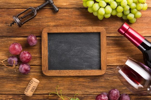 Элементы для красного вина с копией пространства макет Бесплатные Фотографии