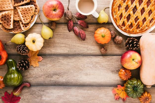 木製のテーブルトップビュー秋の料理 無料写真