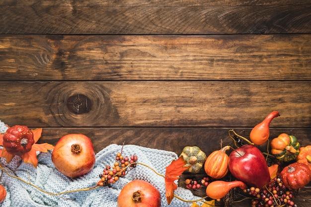 毛布の上のトップビュー食品フレーム 無料写真