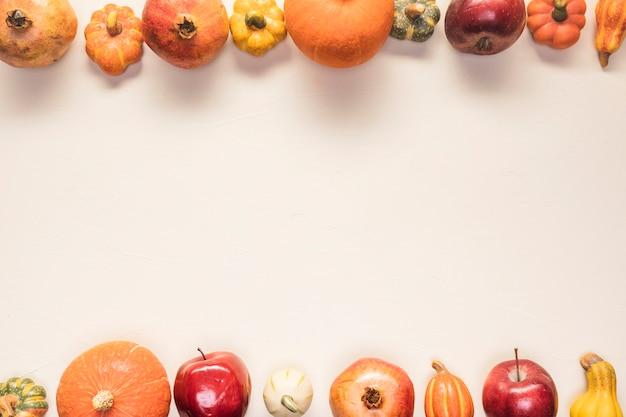 きちんとした背景の平面図食品フレーム 無料写真