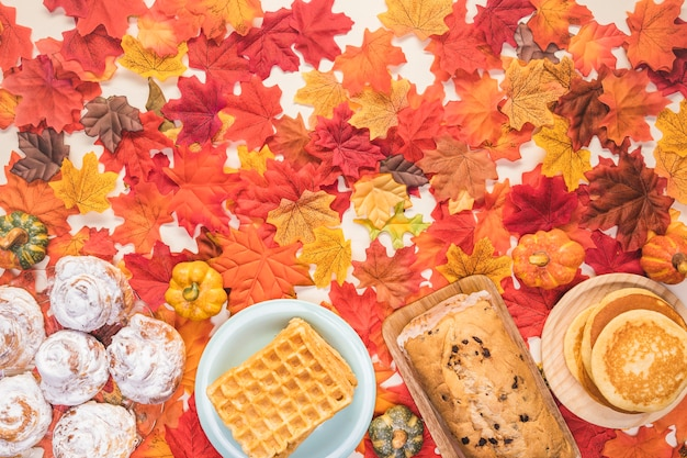 フラットレイアウト食品フレームの葉の背景 無料写真
