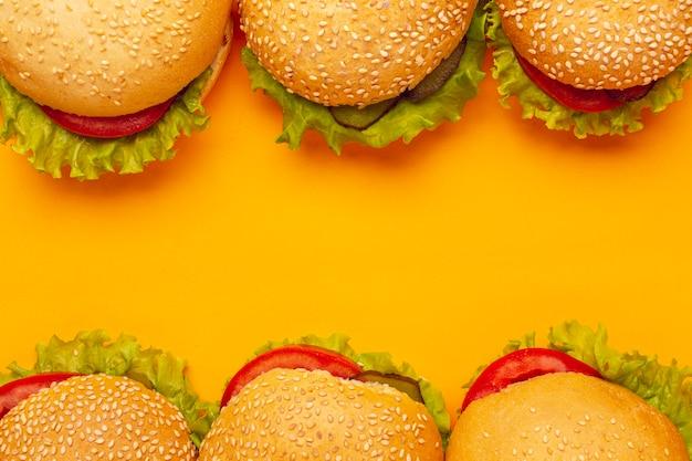 Вид сверху гамбургеры с копией пространства Бесплатные Фотографии