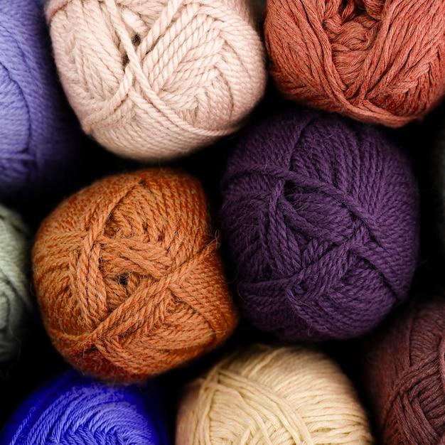 着色されたウール糸の平面図 無料写真