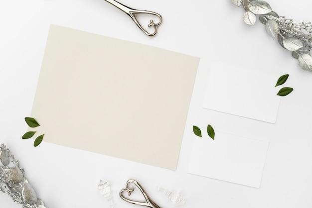 フラットレイモックアップウェディングカード 無料写真