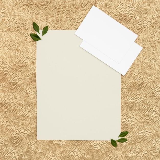 コピースペースを持つフラットレイアウト結婚式グリーティングカード 無料写真