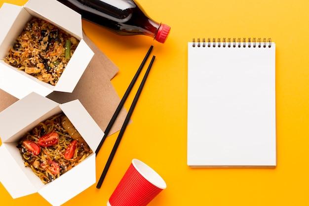 Вкусные коробки быстрого питания с буфером обмена Бесплатные Фотографии