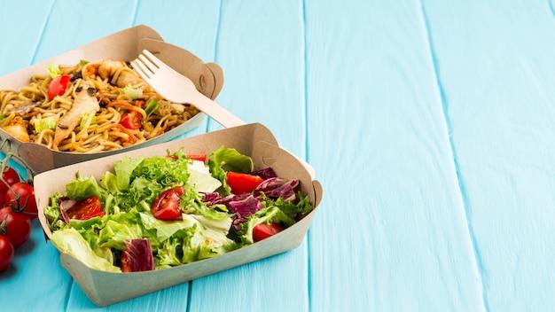 サラダとおいしい中華料理 無料写真