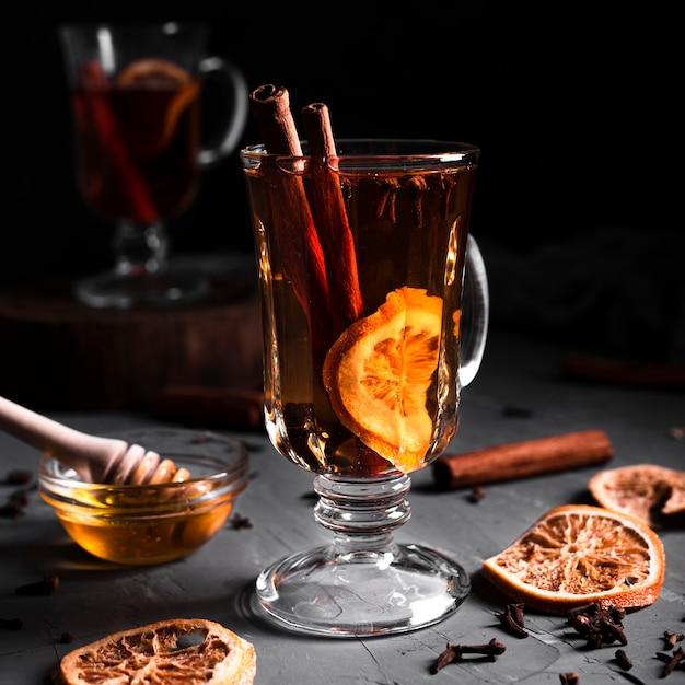 シナモンと蜂蜜とお茶 無料写真