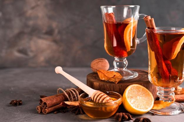 コピースペース付き紅茶の正面図 無料写真