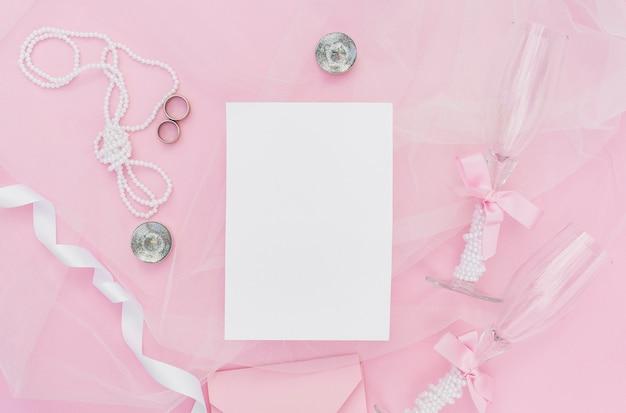 結婚式のための平らなレイアウトピンクの配置 無料写真