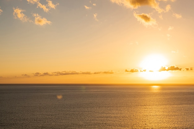 Красочный закат у моря Бесплатные Фотографии