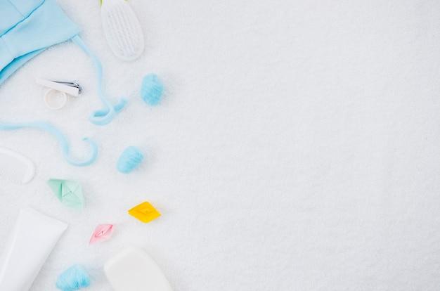 Плоская детская одежда с копией пространства Бесплатные Фотографии