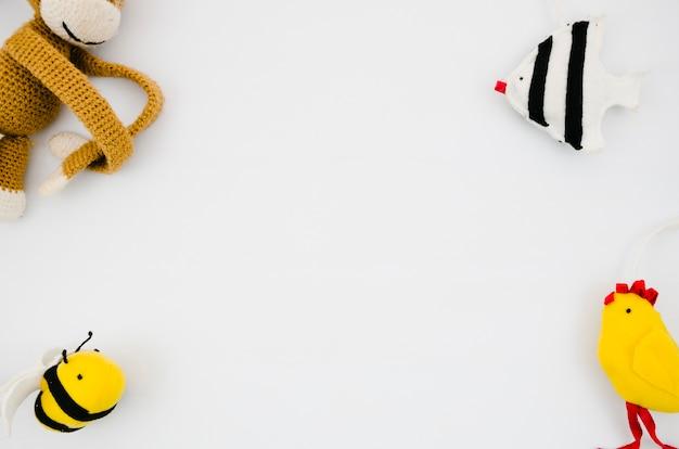 コピースペースでフラットレイアウトの子供のおもちゃ 無料写真