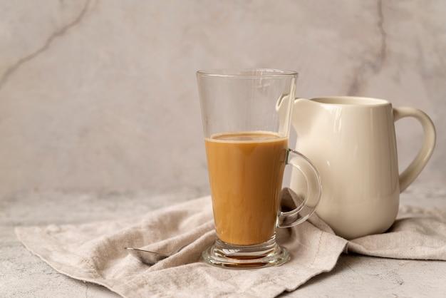Вид спереди стакан молока кофе Бесплатные Фотографии