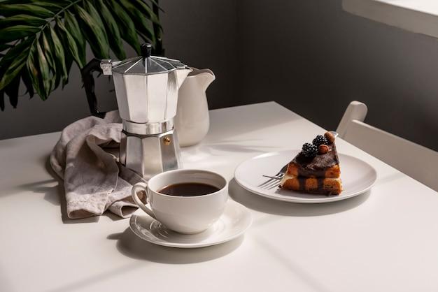 コーヒーとデザートの朝食 無料写真
