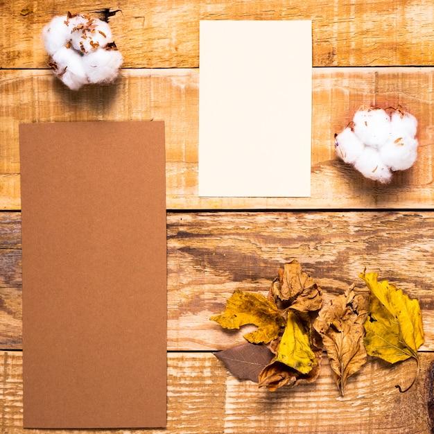 結婚式の招待状の要素の配置 無料写真