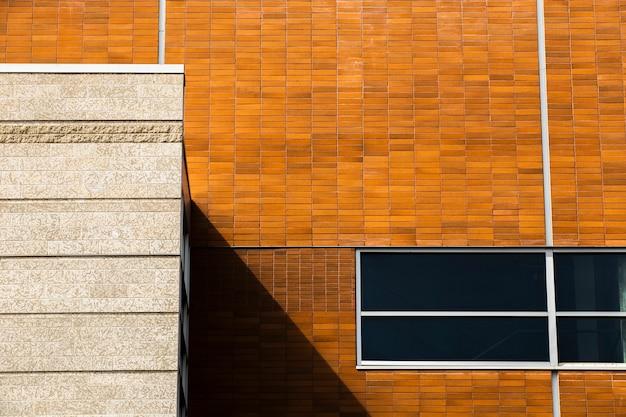 閉じた窓とクローズアップの建物 無料写真
